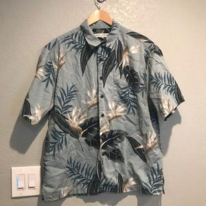 Quicksilver Hawaiian button down shirt
